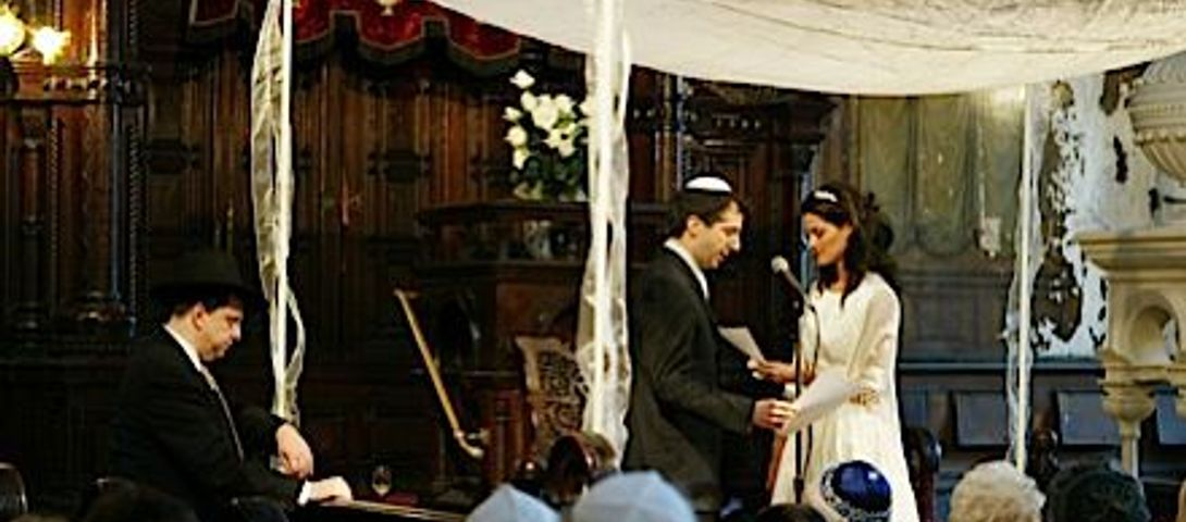 Intermarriage increasingly leads to Jewish children, Pew study shows – The Forward