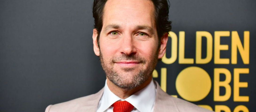 A special delivery from Paul Rudd helps Brooklyn voters brave the rain