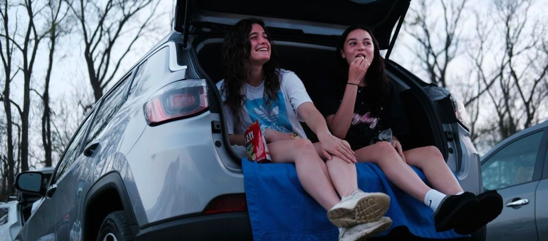We asked the experts: can teens see friends in a summer without camp?