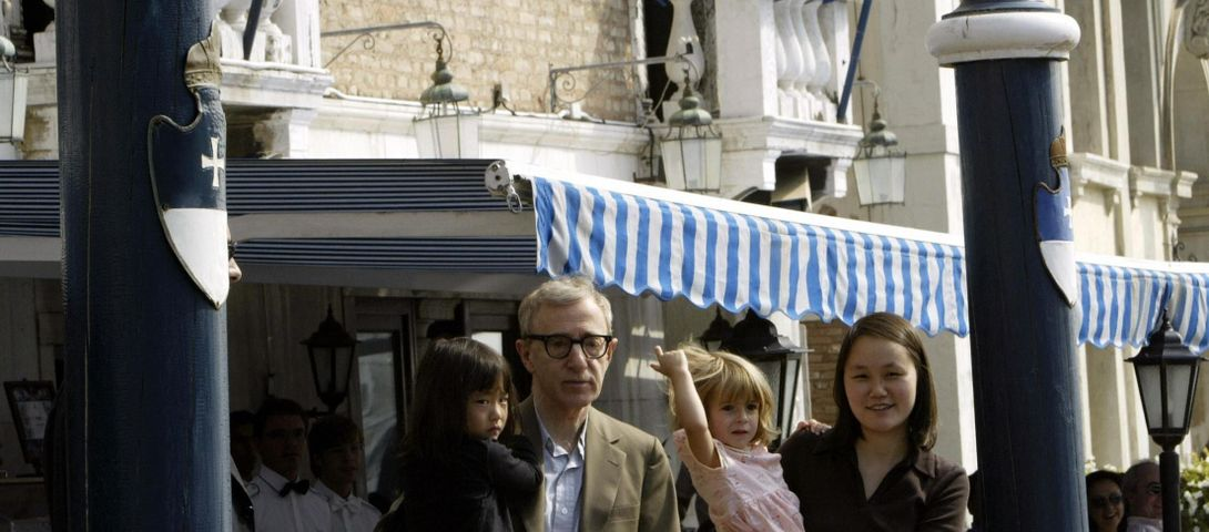 Woody Allen's 19-Year Old Daughter Defends Her Dad Against