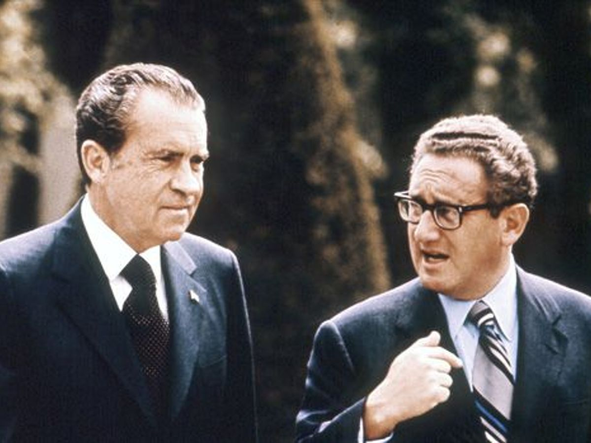 Richard Nixon Says Jews Should Be 'Americans First' on Last Tapes – The Forward