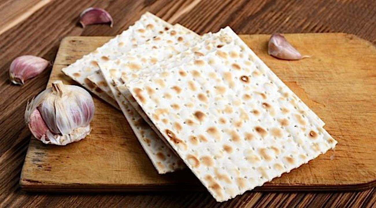 How Matzo Became A Household Item For Dutch Christians