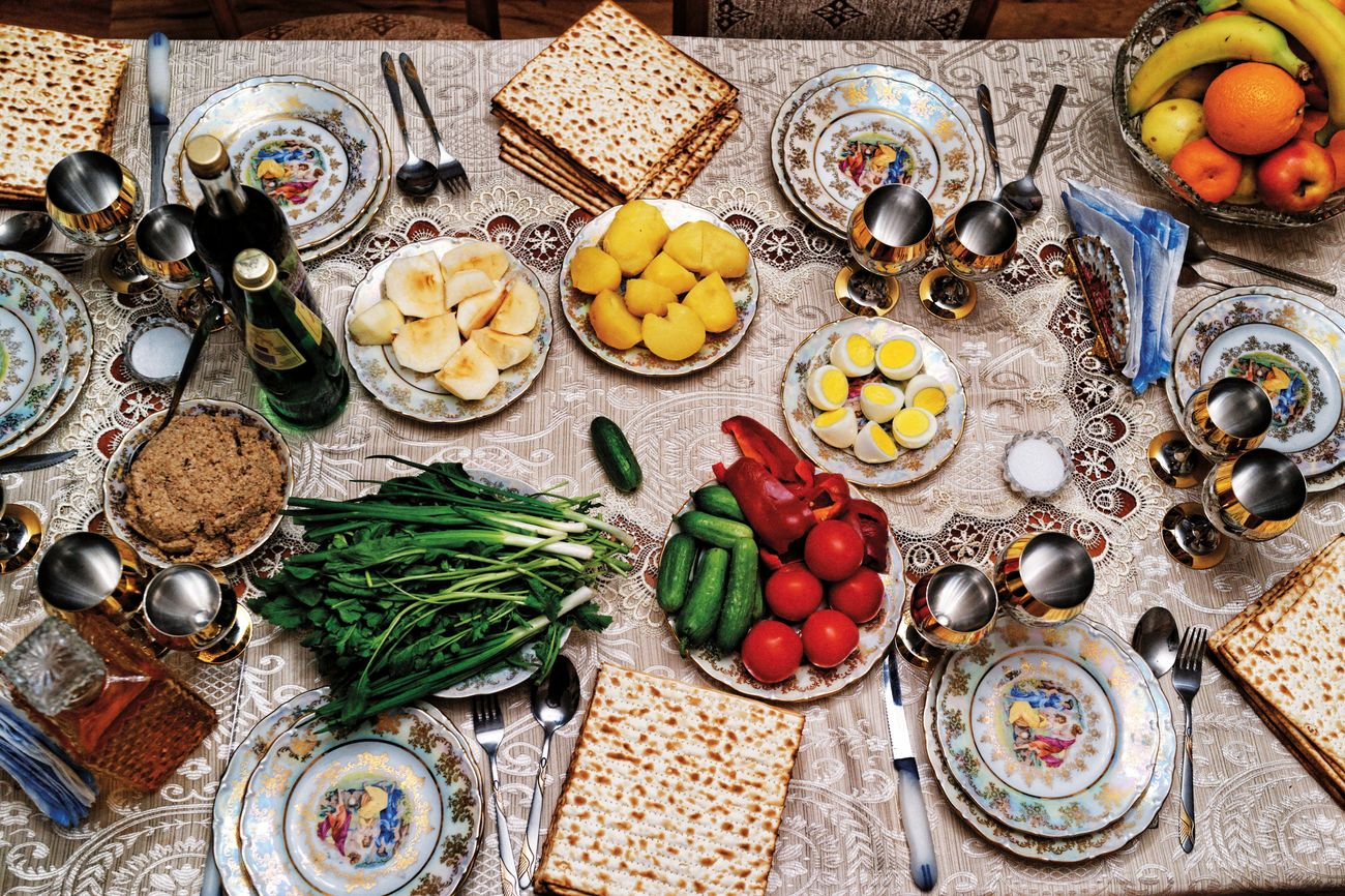 Israeli TV will air Passover Seders for isolated people – The Forward