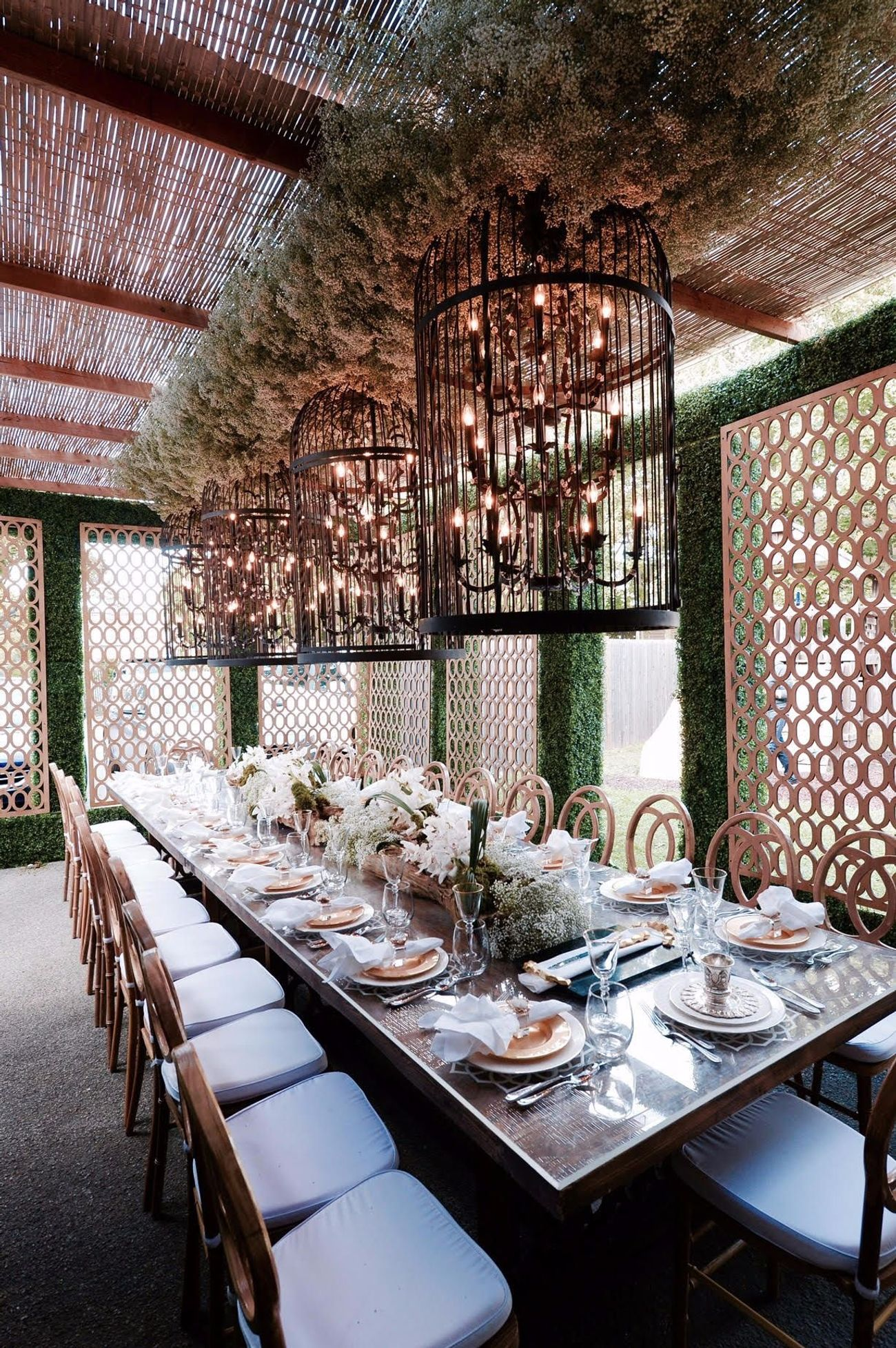 The Sukkah Goes From Deluxe To Ultra-Luxe: Flowers, Lattice, Cashmere — And $10,000 Price-Tag