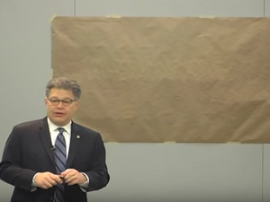 Al Frankens Secret Talent Drawing A Map Of The Us The Forward - Al-franken-draws-us-map