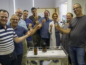 L'Chaim! Israeli Scientists Brew Beer From 5,000-Year-Old Yeast