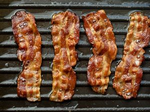 Orthodox Rabbi Says Cloned Bacon Could Be Kosher – Including With Milk