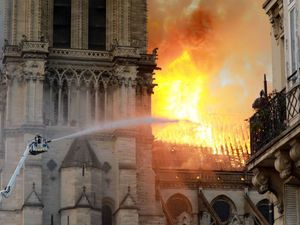 Conspiracy Theorists Blame Jews For Notre Dame Fire – The Forward