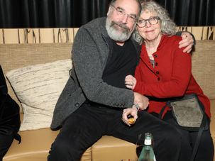 Mandy Patinkin and Kathryn Grody by the Forward