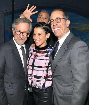 A very Jewish George Clooney Photobomb B-clooneyphotobomb-100813-1425644043