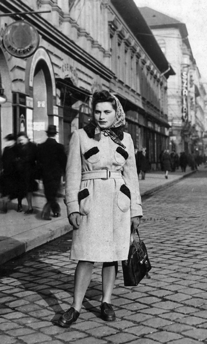 Renia Kulkiełka w Budapeszcie 1944r. Dla Strikera