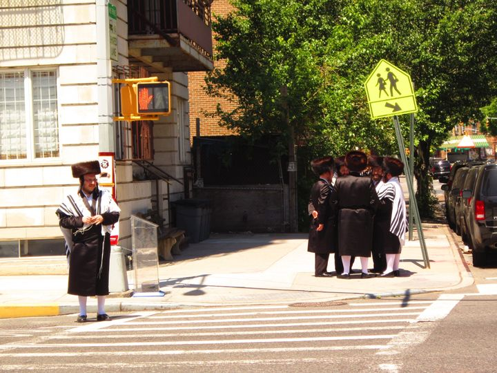 Hasidic Shtreimels Are Ruled By Trends And Tradition – The Forward
