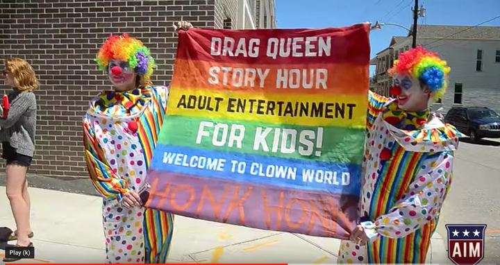 White Nationalists Are Using Clowns To Spread Hatred – The