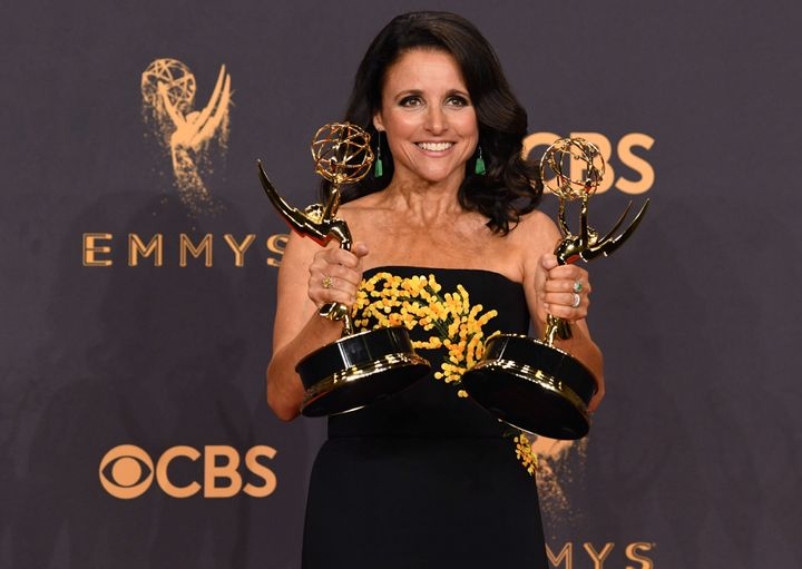 Julia Louis Dreyfus Shares Photo After Mastectomy – The Forward