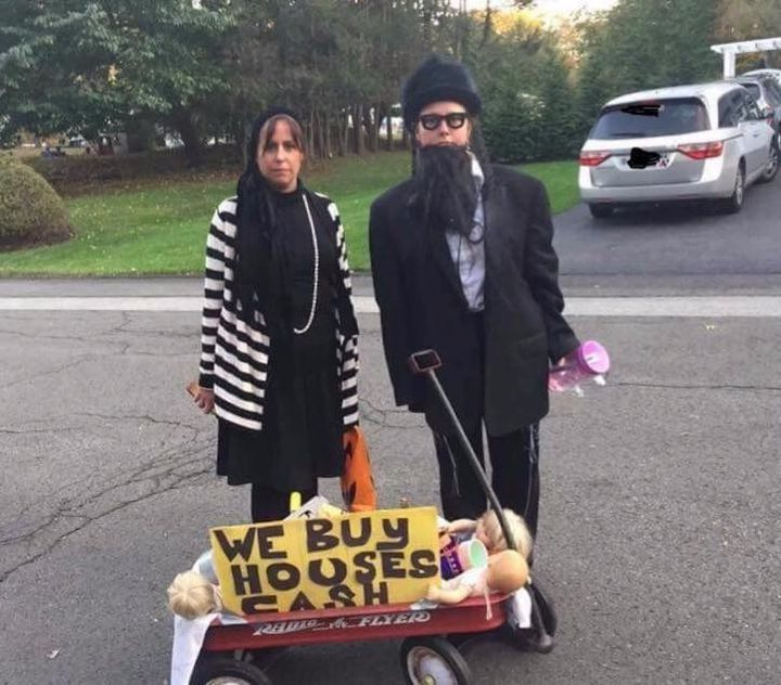 Is This Hasidic Halloween Costume Anti-Semitic? – The Forward