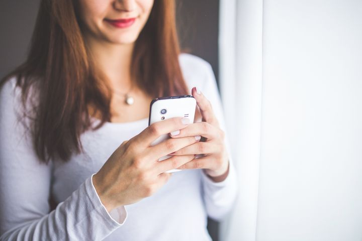 The Top 8 Texting Tips to Make or Break a Budding