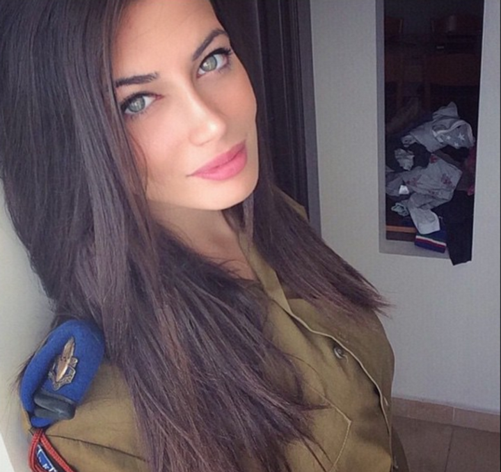 Sizzling Pictures Of Israeli Women Soldiers Heat Up -4123